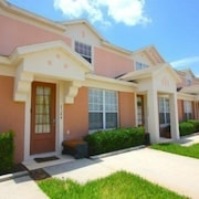 3 bed 3 bath Townhome in Windsor Palms Resort by RedAwning