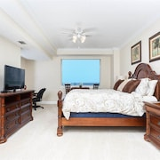 Surf Club III 515 3 Br condo by RedAwning
