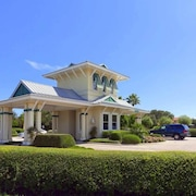 Beach Belle 4 Br home by RedAwning