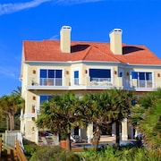 Bella Vista Mansion 8 Br home by RedAwning