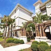 Tidelands 1817 2 Br condo by RedAwning