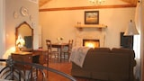 Alamo Springs- The Country Cabin - Comfort Hotels