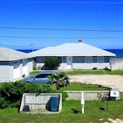 Pelican Pass 3 Br home by RedAwning