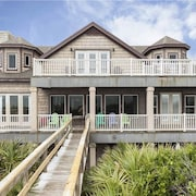 Getting Away Beach 5 Br home by RedAwning