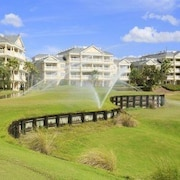 Centre Court Golf Views 3 Br condo by RedAwning