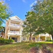 Centre Court Haven in Reunion 3 Br condo by RedAwning