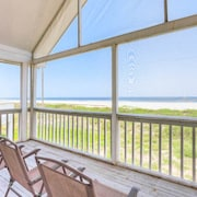 White Sand Beach 3 Br home by RedAwning