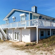 Sunrise Sunset Beach 5 Br home by RedAwning