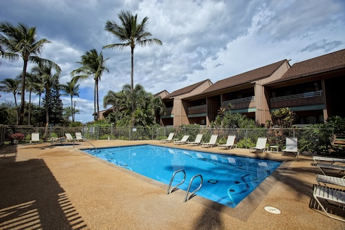 Kihei Bay Vista by Rentals Maui Inc.