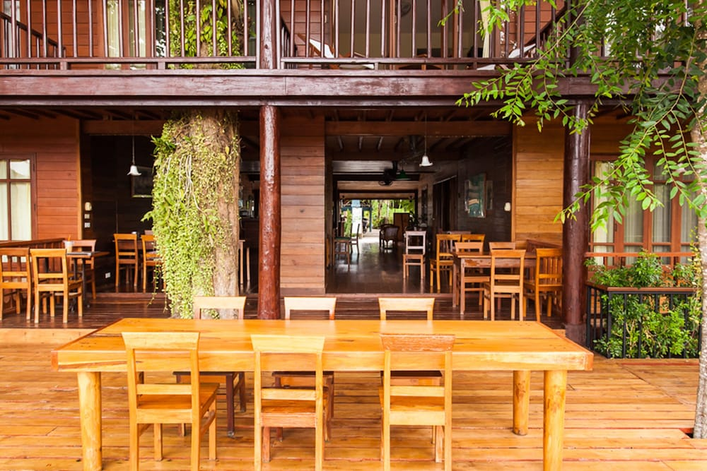 Dining, Riverhouse Hotel (The Teak House)
