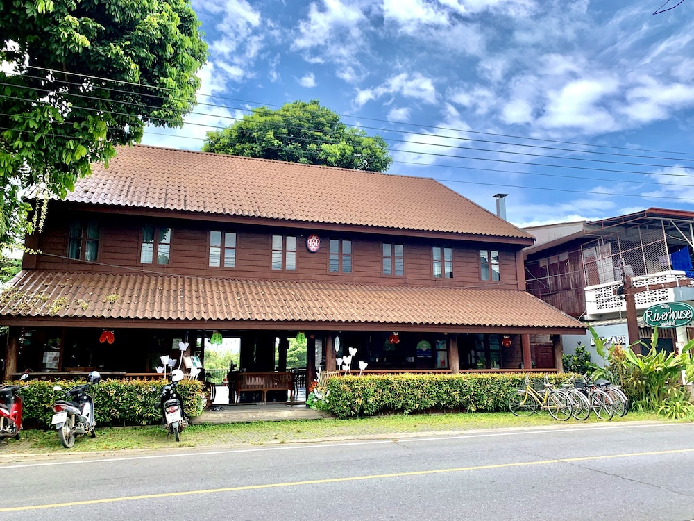 Featured Image, Riverhouse Hotel (The Teak House)