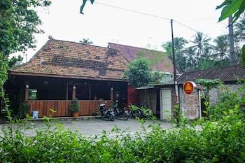 【インドネシア】ボロブドゥール寺院遺跡群を観光するのにおすすめのホテルを教えてください。