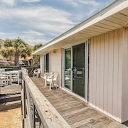 Sea Urchin 2 Br condo by RedAwning