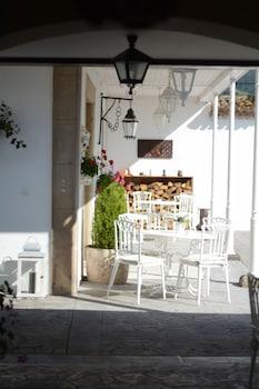 Calle de San Juan 6, Amandi, 33311 Villaviciosa, Asturias, Spain.