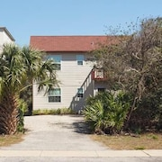 Pelican Landing 3 Br home by RedAwning