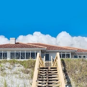 Atlantic Angel 4 Br home by RedAwning