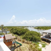 Beach Gem 6 Br home by RedAwning