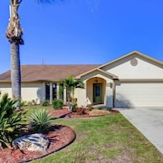 Venice Island Circle Drive 3 Br home by RedAwning