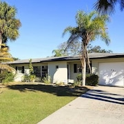 Sandpiper Venice Island 3 Br home by RedAwning
