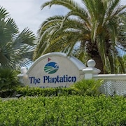 Tangerine at Plantation Sleeps 6 2 Br condo by RedAwning