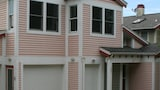 207 Prospect 4 Br home by RedAwning - Michigan City Hotels