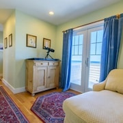 Colbyco Oceanside Scituate 4 Br home by RedAwning
