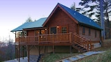Nantahala Gorgeous 1 Br cabin by RedAwning - Bryson City Hotels