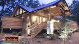 Treehouse C 1 Br cabin by RedAwning - Bryson City Hotels
