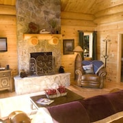 Watershed 07 2 Br cabin by RedAwning