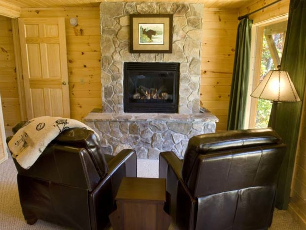 Watershed 07 2 Br Cabin By Redawning 2017 Room Prices