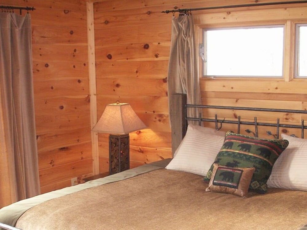 Watershed 09 2 Br Cabin By Redawning Reviews Photos