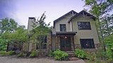 Lavender 5 Br home by RedAwning - Bryson City Hotels
