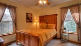Mountain Elegance 3 Br home by RedAwning - Bryson City Hotels