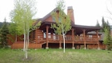 Discovery 378 3 Br cabin by RedAwning - Tamarack Hotels
