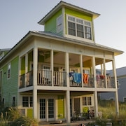 Beachball 5 Br home by RedAwning