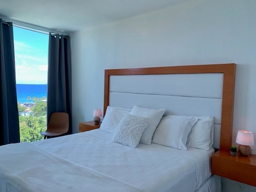 Arenales Vacations | NEW DEALS | Book a 2019 Vacation Package