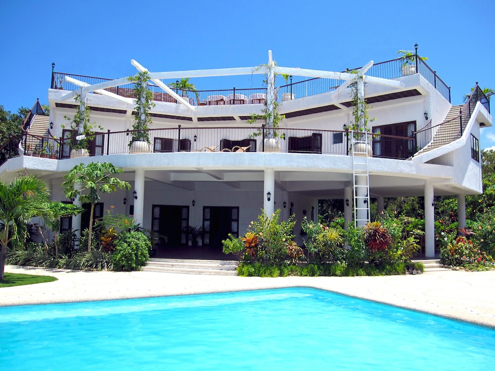 414 besides Hello Kitty Birthday Cake moreover Family moreover 2 Storey House Plans Philippines With Blueprint 2 additionally Boljoon Hotels Granada Beach Resort Adults Only h15697179. on best house design in philippines