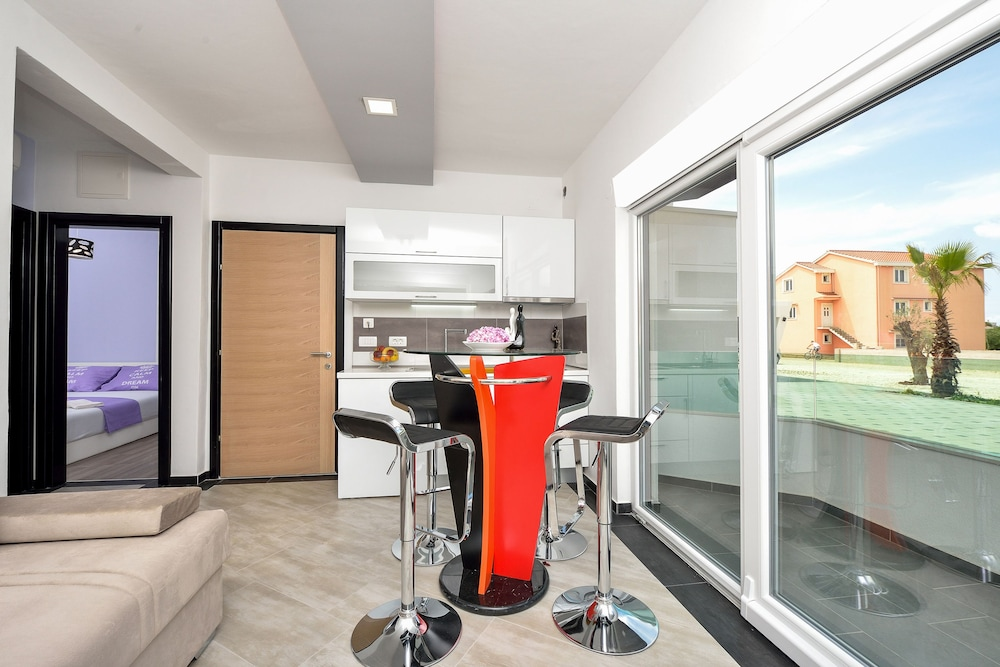 Boutique apartments ad astra in zadar hotel rates for Best boutique hotels in zadar