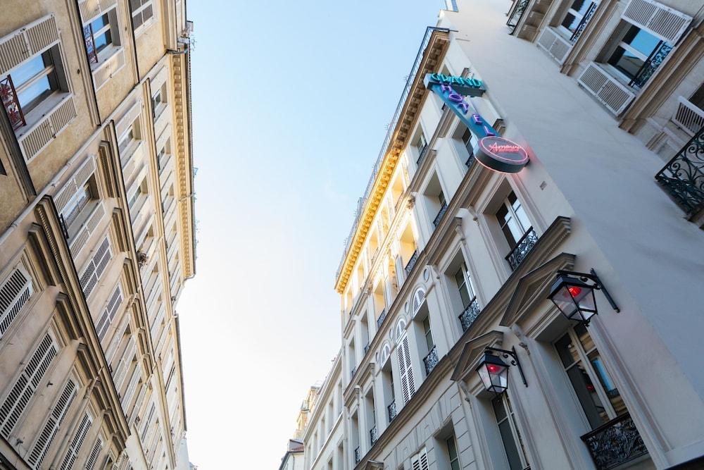 Hotel Grand Amour Paris 2019 Hotel Prices Expedia Co Uk