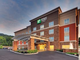 Holiday Inn Express & Suites Ithaca, an IHG Hotel
