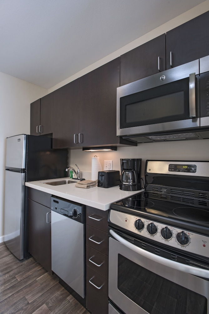 Private Kitchen, TownePlace Suites by Marriott Slidell