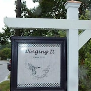 Historic Manteo Winging It 4 Br cottage by RedAwning