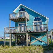 Island Time 3 Br home by RedAwning