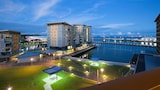 Absolute Waterfront Luxury Apartments - Darwin Hotels