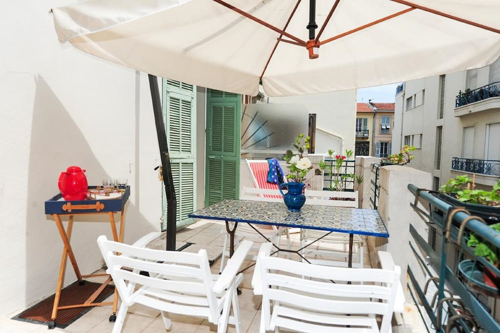 Appartement la terrasse 5 stars holiday house nice for Appartement la terrasse