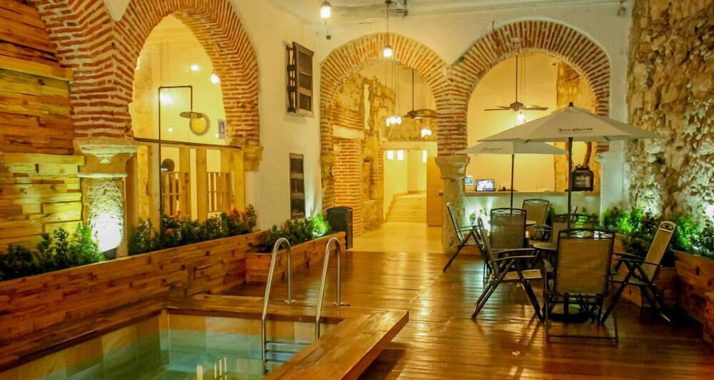 Bourbon st hostal boutique hostel in cartagena hotel for Boutique hostel