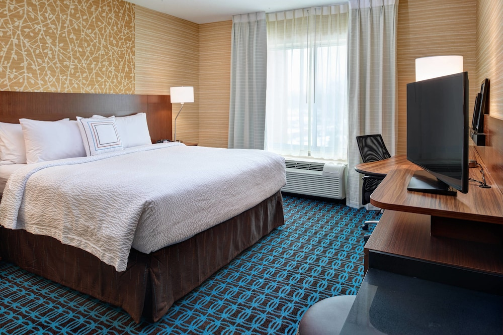 Room, Fairfield Inn & Suites by Marriott Detroit Troy