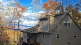 Thunderhead by RedAwning - Robbinsville Hotels