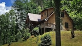 Cherokee Charm 1 Br cabin by RedAwning - Whittier Hotels