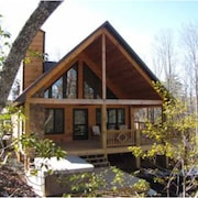 Cherokee Charm 1 Br cabin by RedAwning